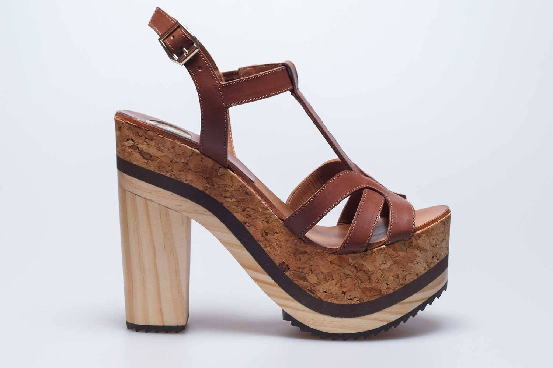 Sandalia Aitana marrón